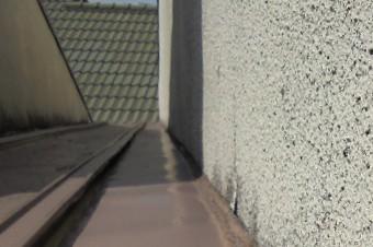壁と屋根の取り合い箇所