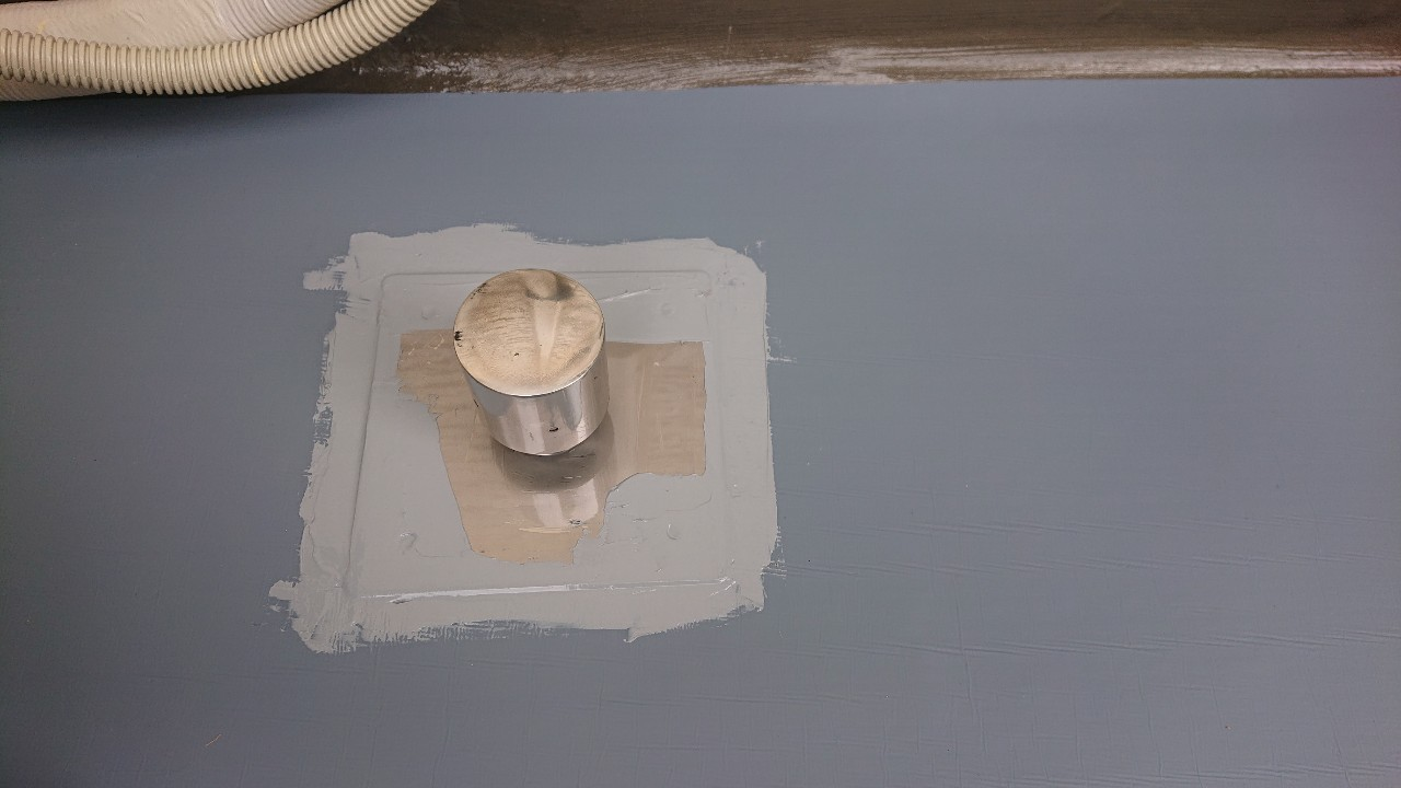 加古郡稲美町での防水工事で脱気筒を取り付けた様子
