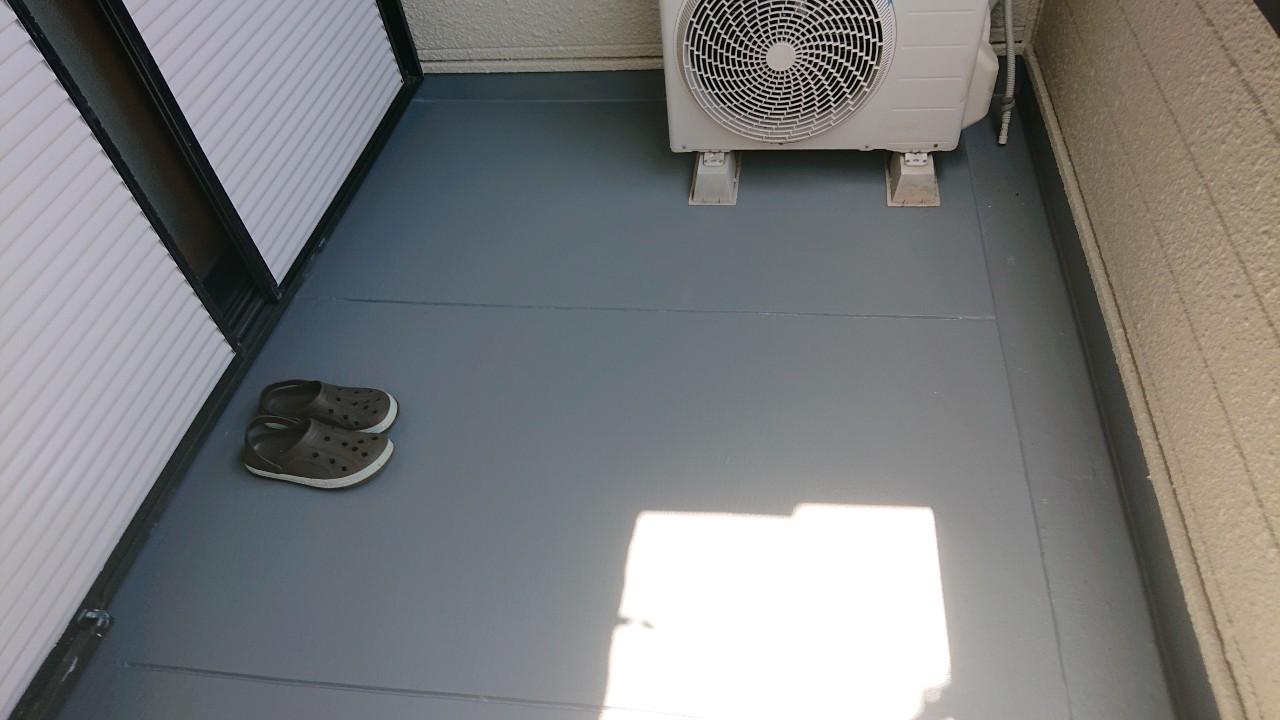 神戸市垂水区でのベランダ床のメンテナンス工事が完了した様子