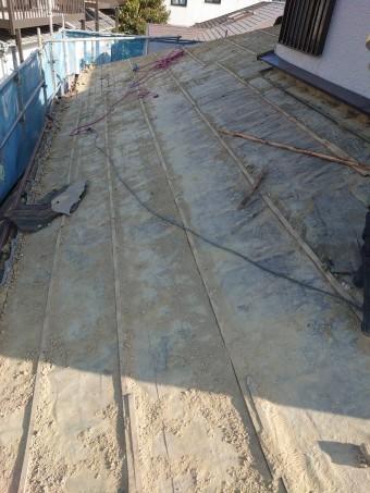 撤去後の古い防水シート