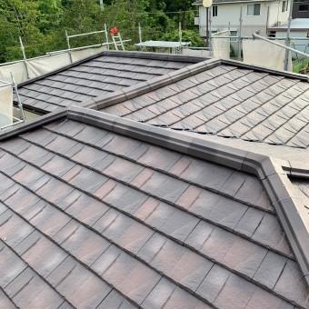 屋根が仕上がった様子
