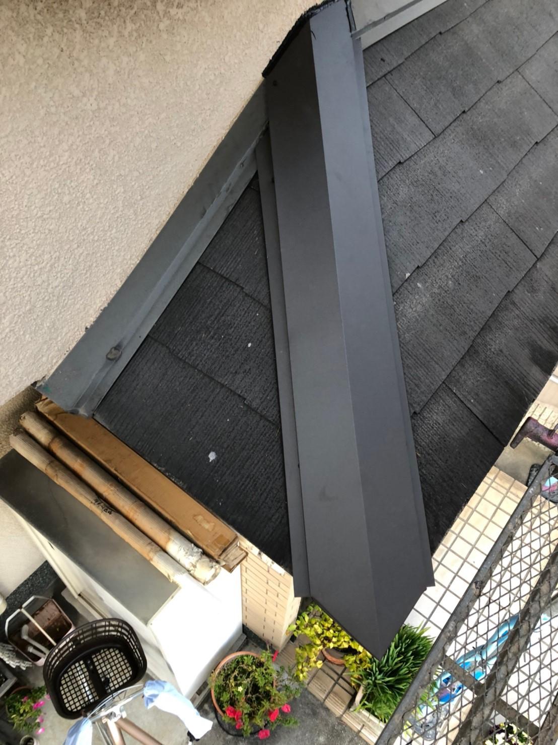 下屋根の棟板金