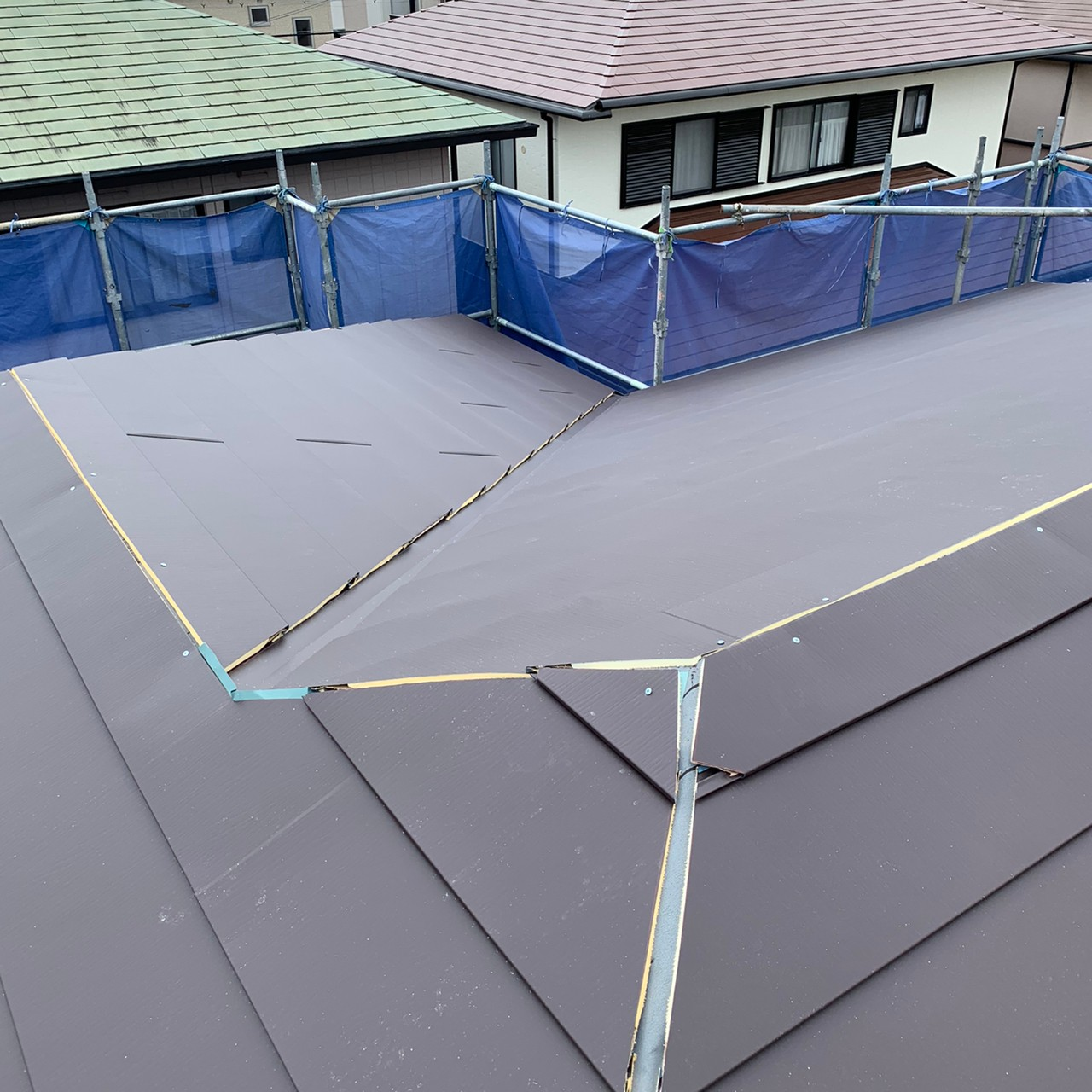 屋根を葺いた様子
