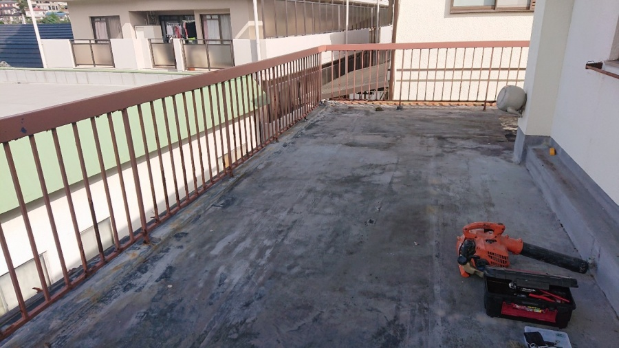 神戸市垂水区で屋上修理を行いました!ウレタン防水で雨漏り解決