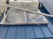 カバー工法した金属屋根の様子