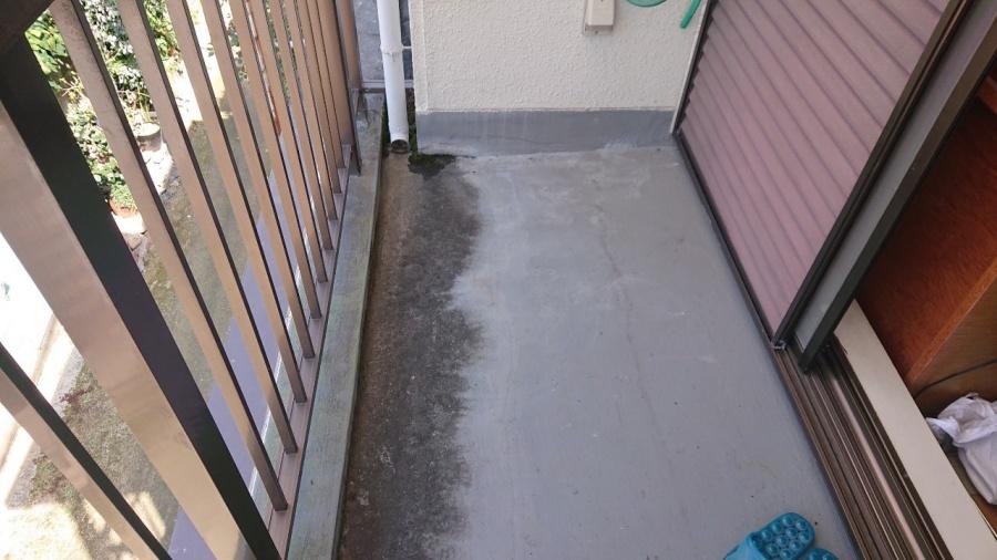 神戸市兵庫区でベランダ防水工事!!雨漏り1発で解決です