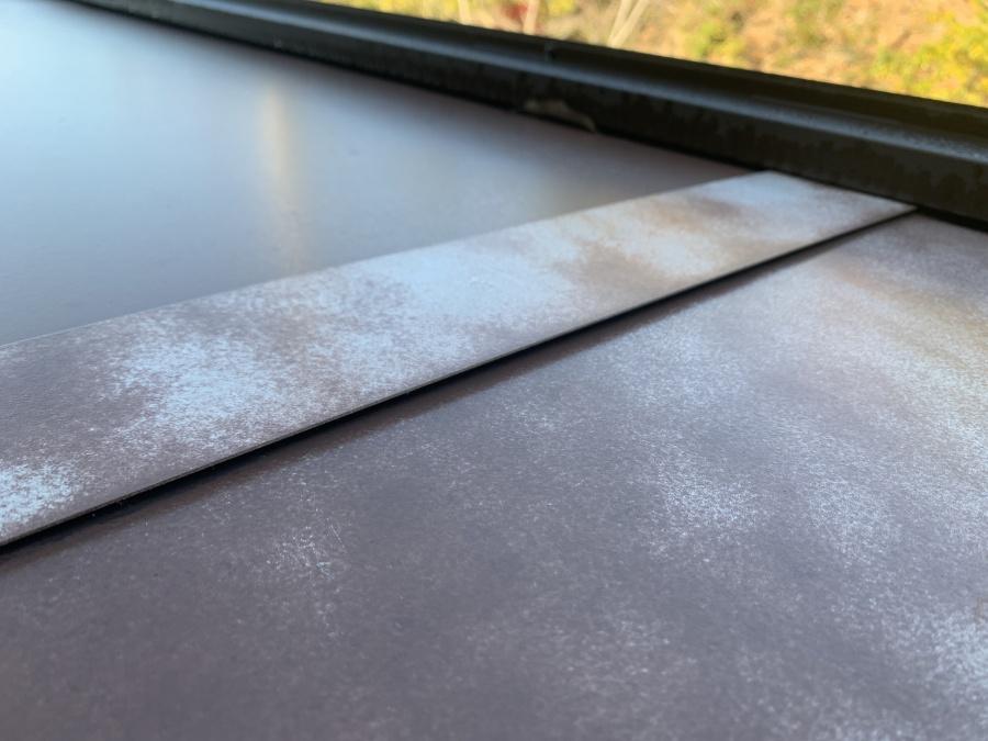シャッターボックス天板のジョイント部分