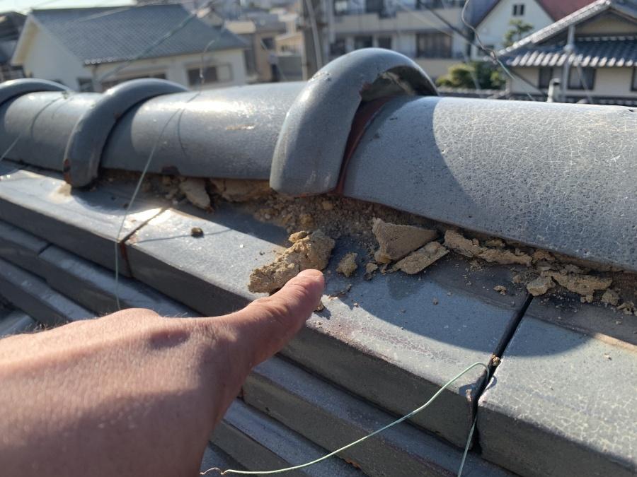 火災保険が適応されやすい台風被害を受けた棟瓦