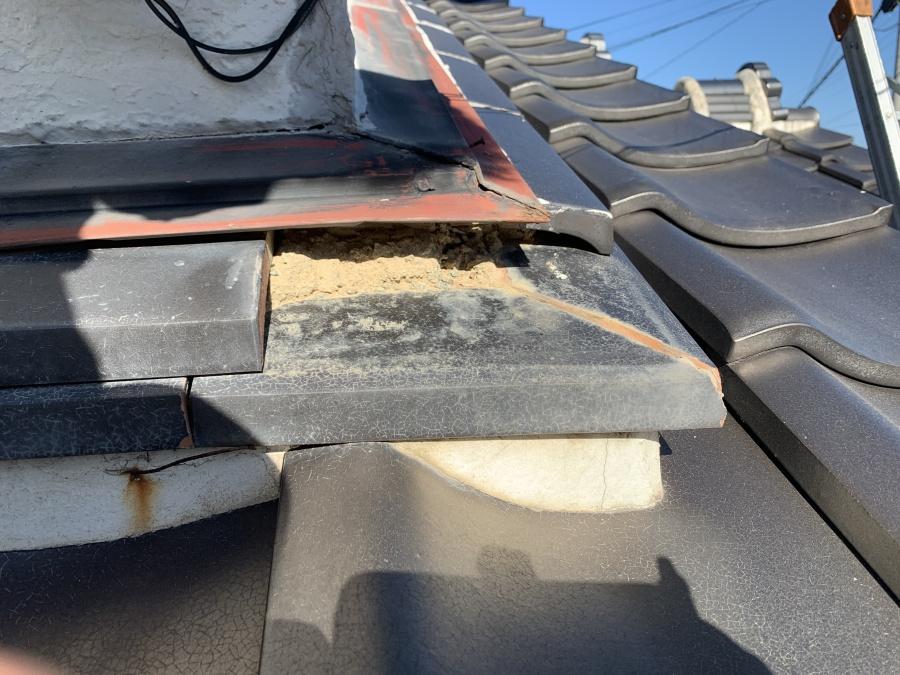 淡路市での瓦屋根修理前の様子