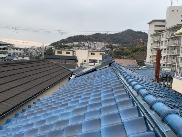 工事前の瓦屋根の様子