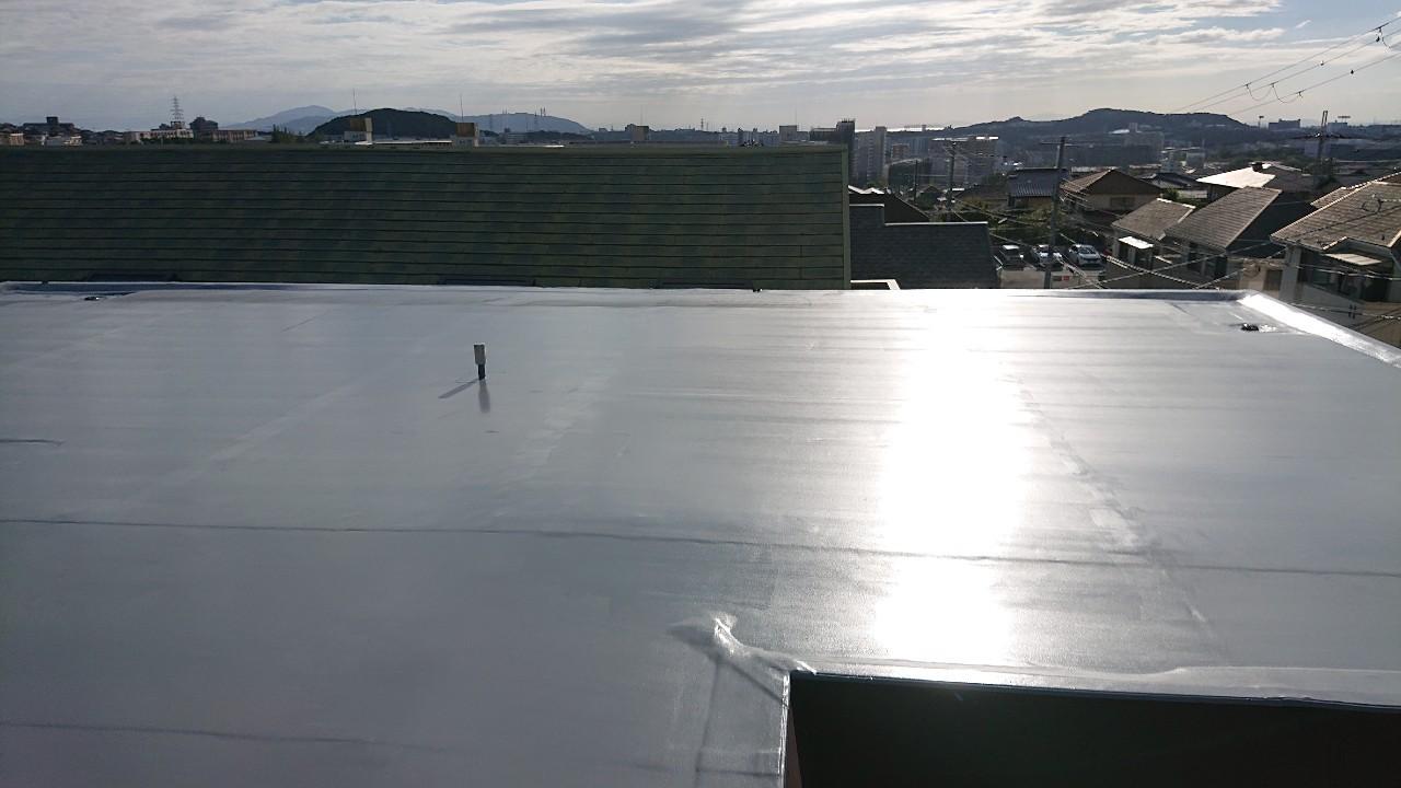 三木市での陸屋根防水工事が完了した様子
