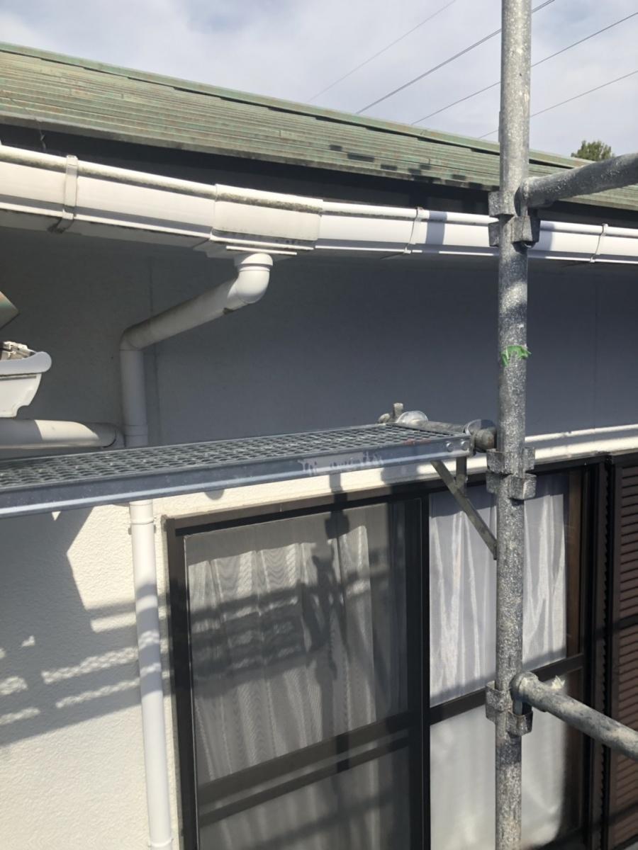 神戸市須磨区で雨樋交換!色あせした雨戸の塗装しました