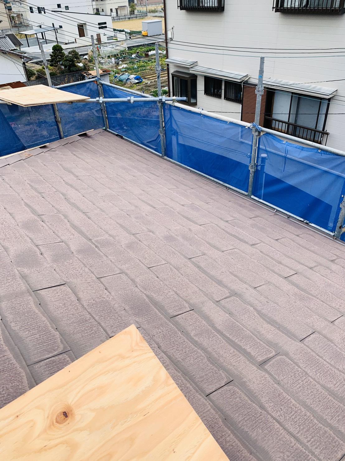 下地用合板を貼る前のスレート屋根