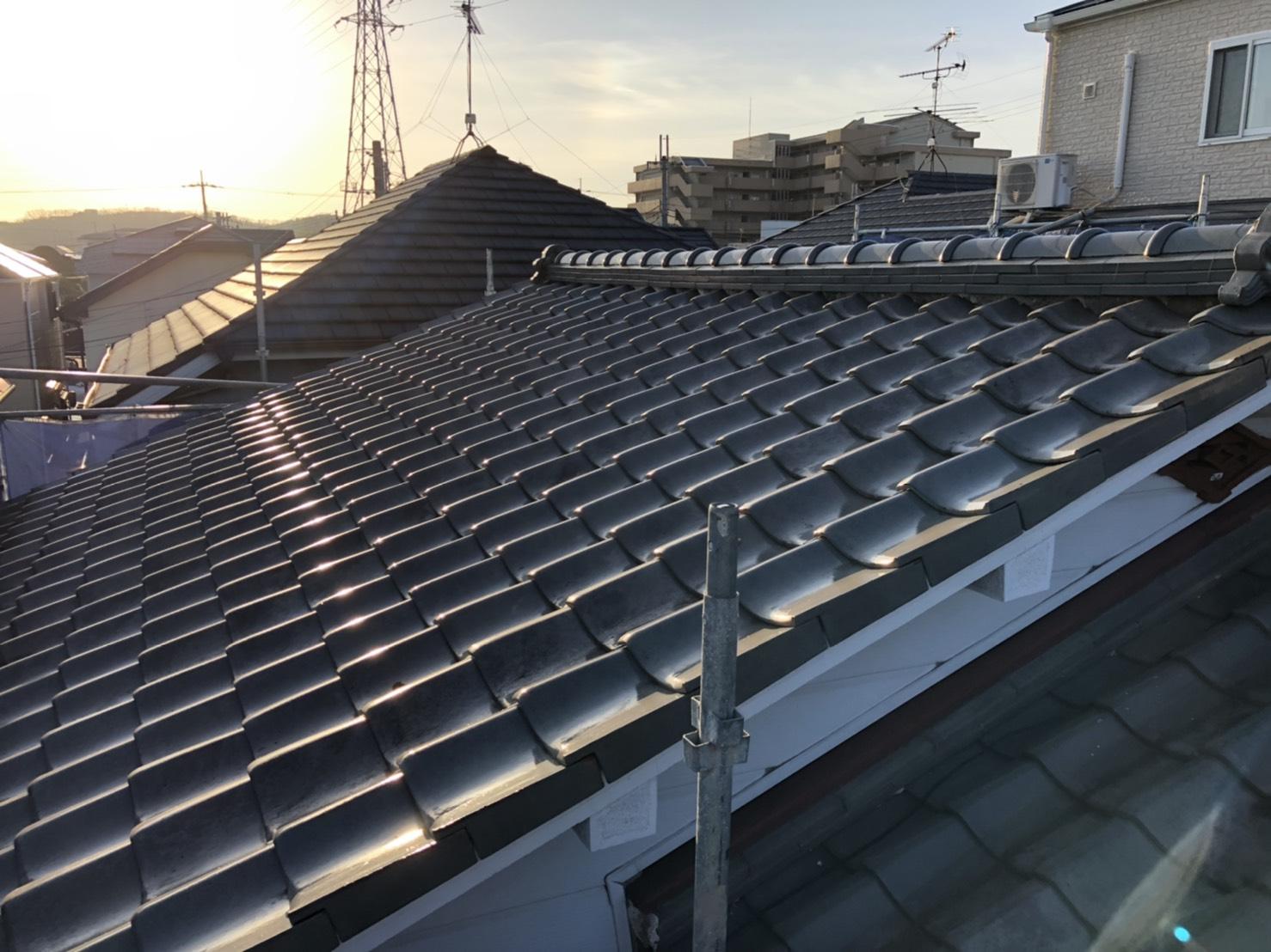 神戸市垂水区で屋根葺き替え工事前の瓦屋根の様子