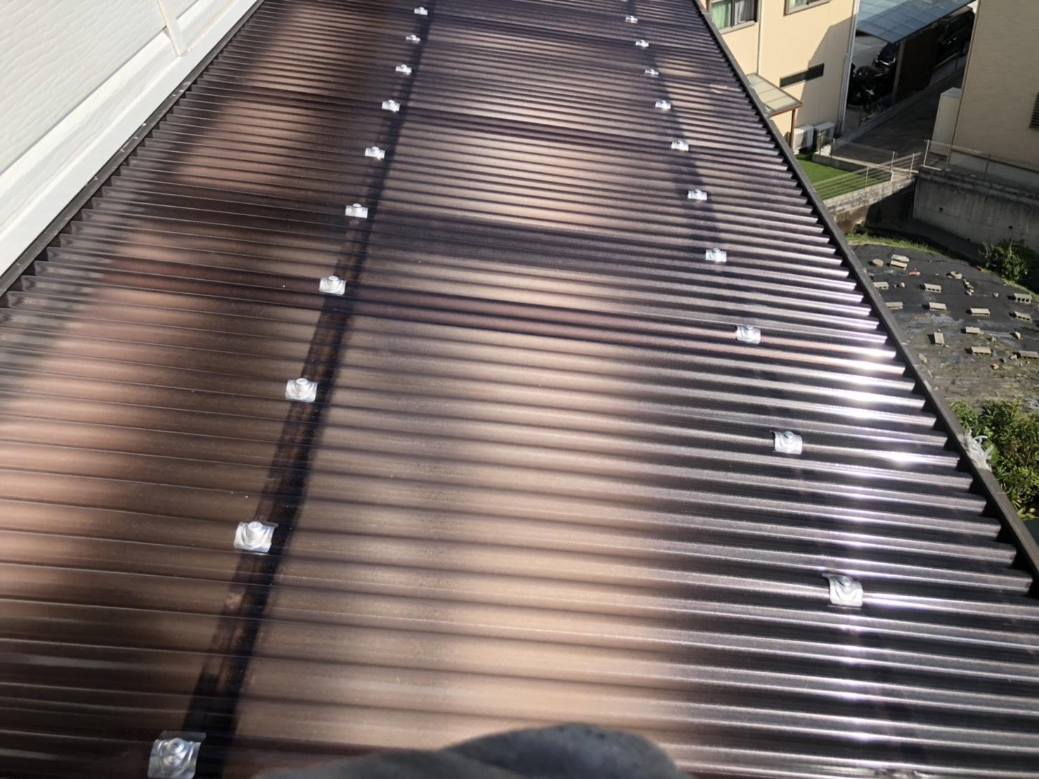 三木市での強風で飛ばされたベランダ屋根工事が完了した様子