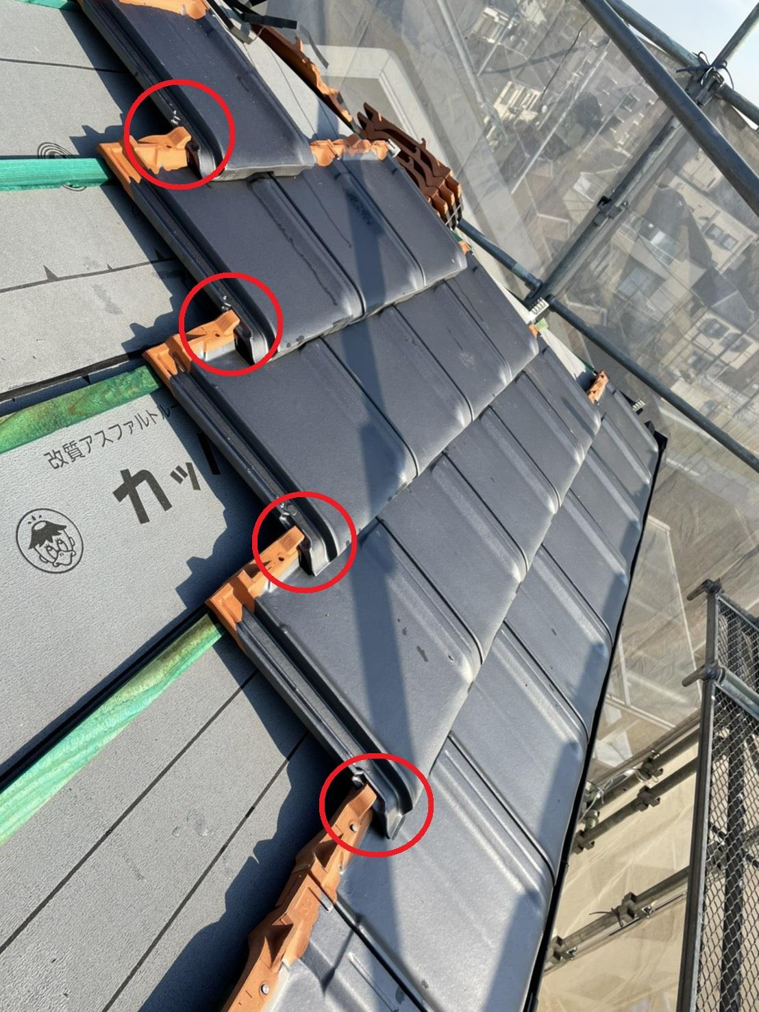 屋根工事で使用した防災瓦の仕組み