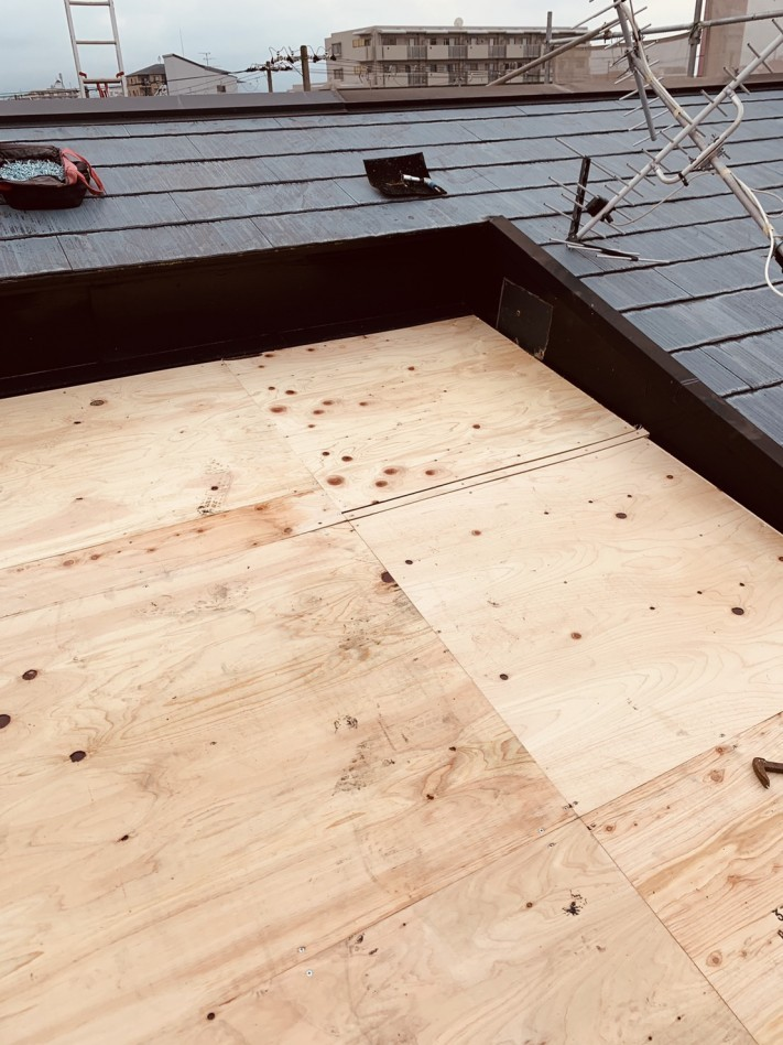 完成したトタン屋根の下地