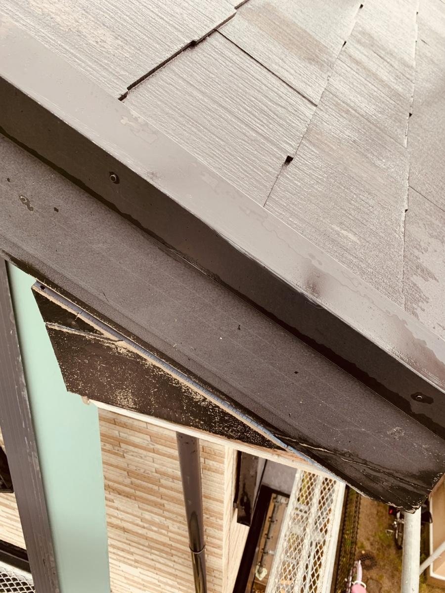三木市で経年劣化し台風で破損した破風板に板金を取り付けました