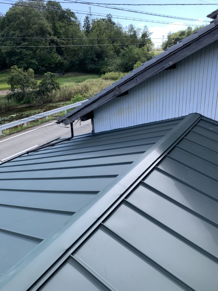 立平葺き屋根の仕上がり