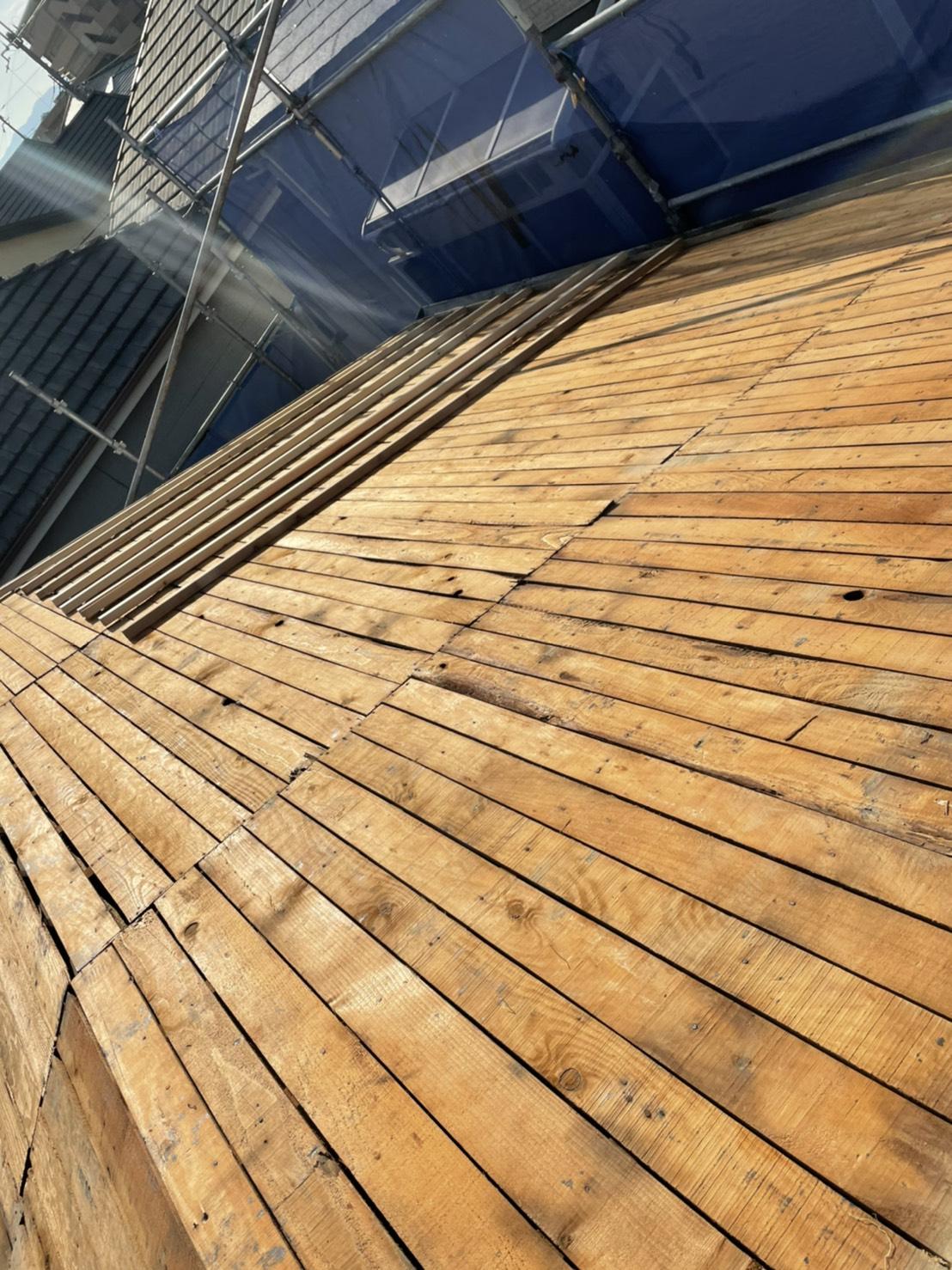 神戸市垂水区での屋根下地工事での既存の屋根下地の様子