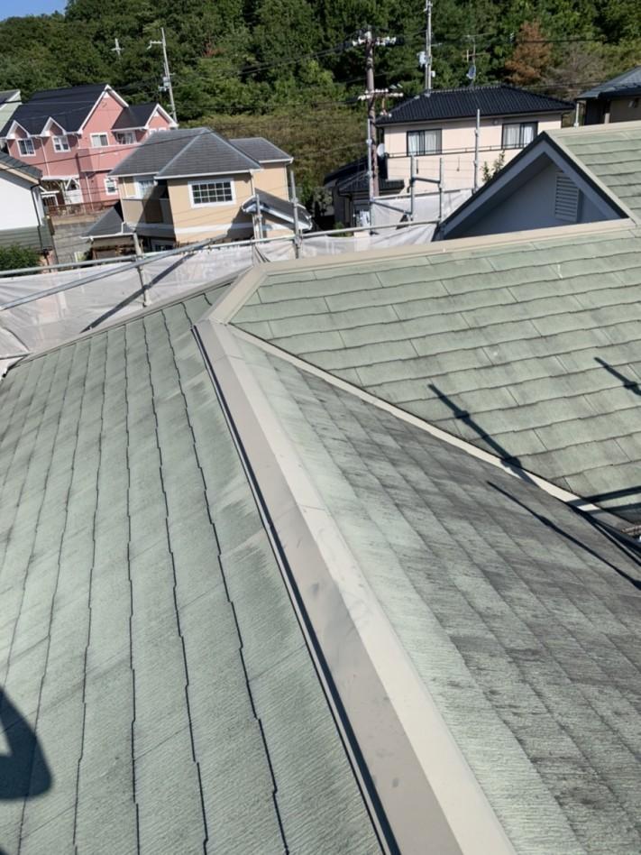 淡路市での屋根リフォーム工事前のスレート屋根の様子