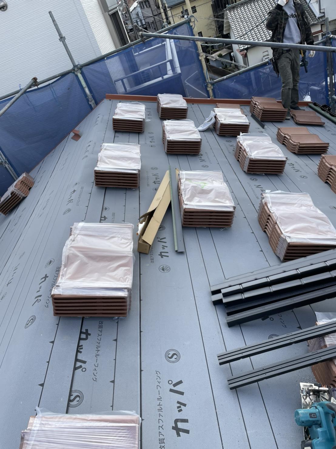 三木市での屋根葺き替え工事「通気断熱工法」で使用したルーガ雅