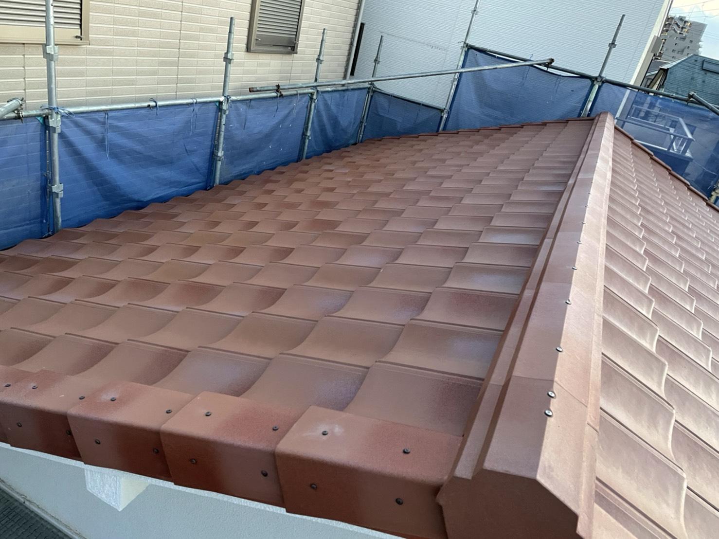 三木市で行った屋根葺き替え工事「通気工法」が完工した様子