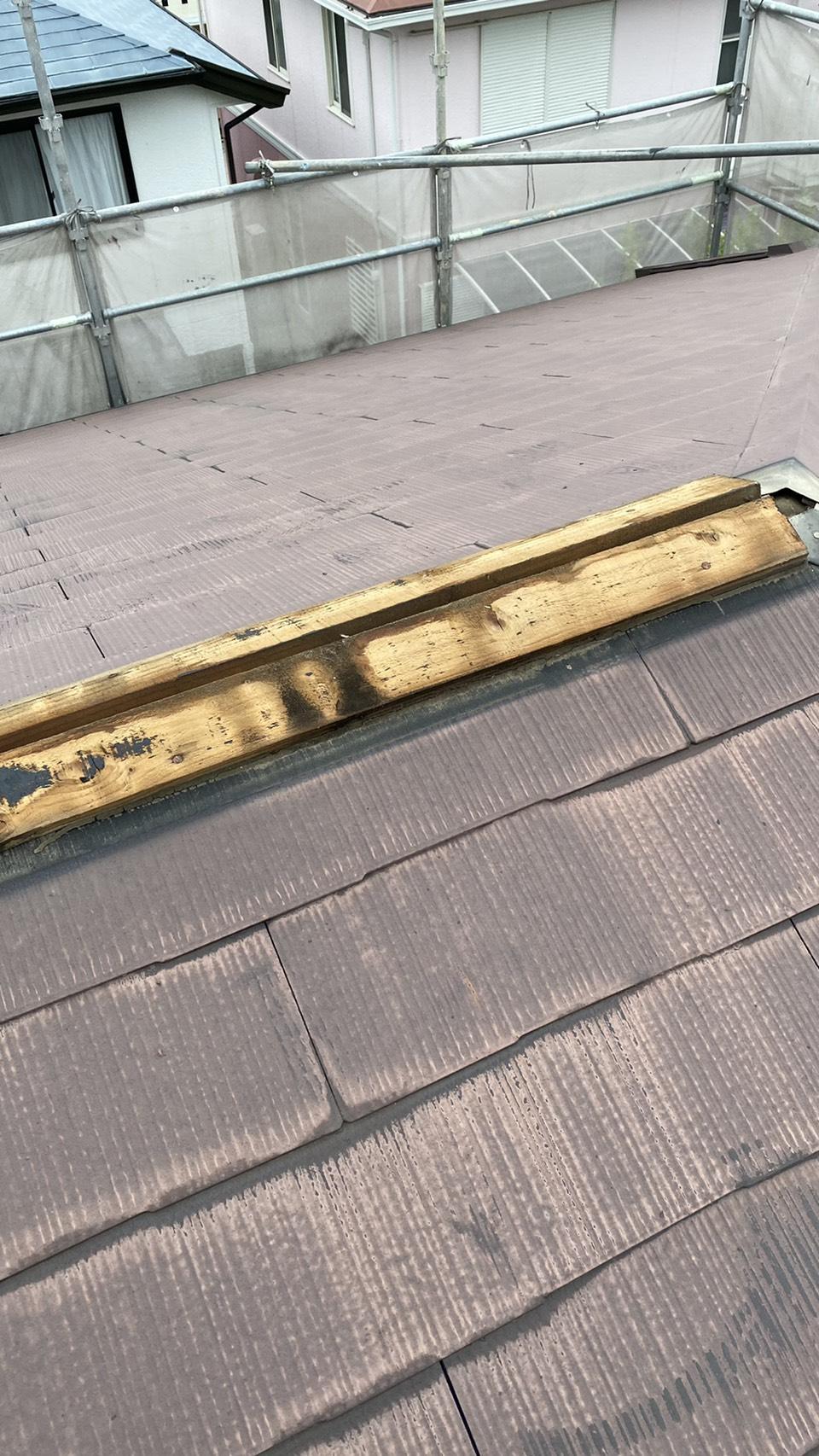 屋根補修で棟板金を撤去した様子