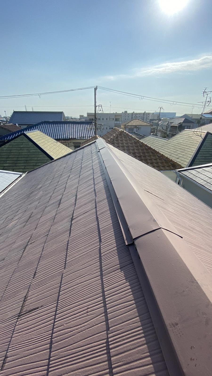 屋根修繕前の棟板金の様子