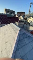 既存のスレート屋根の様子