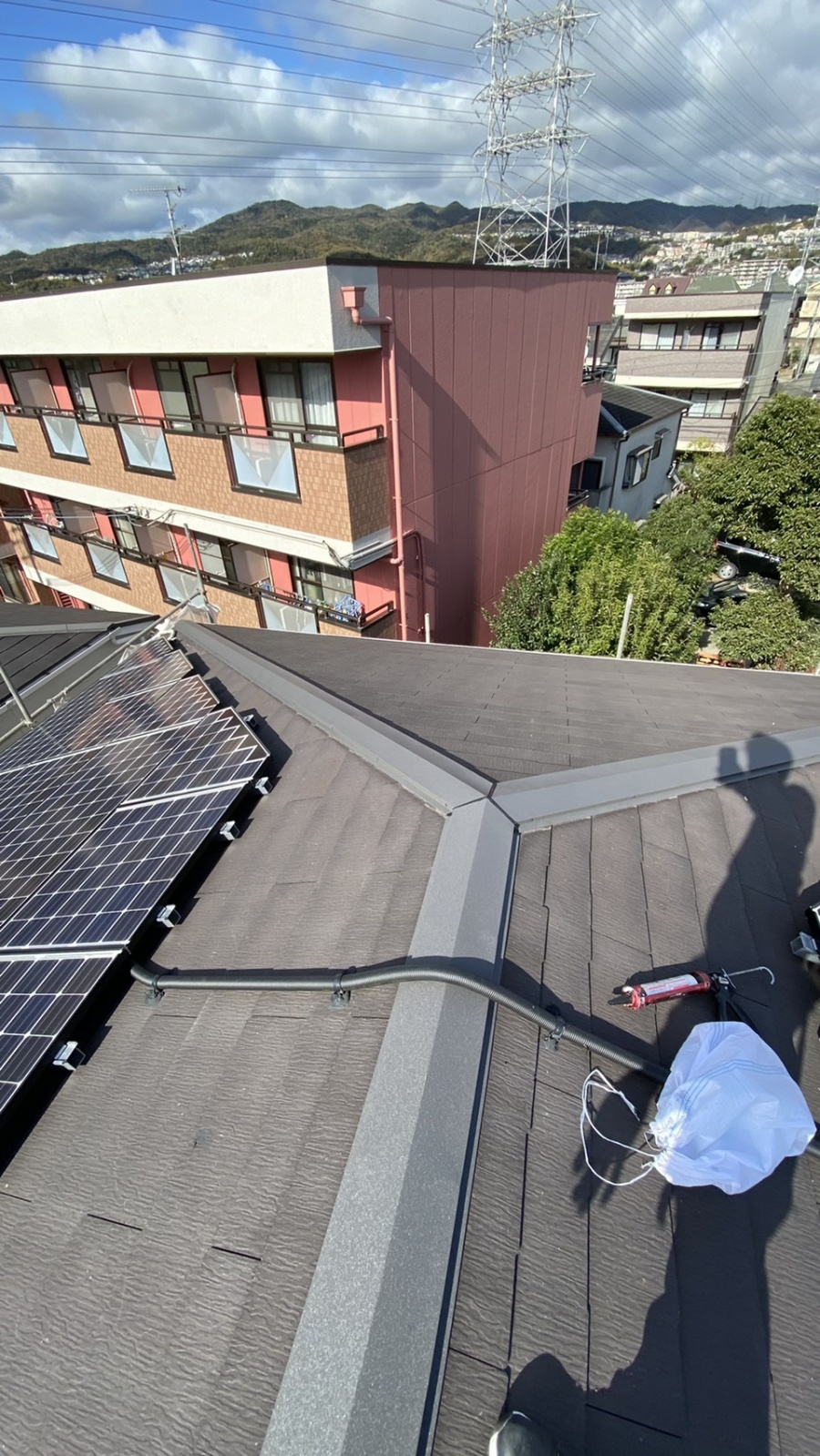 淡路市での屋根修繕ごのスレート屋根の様子