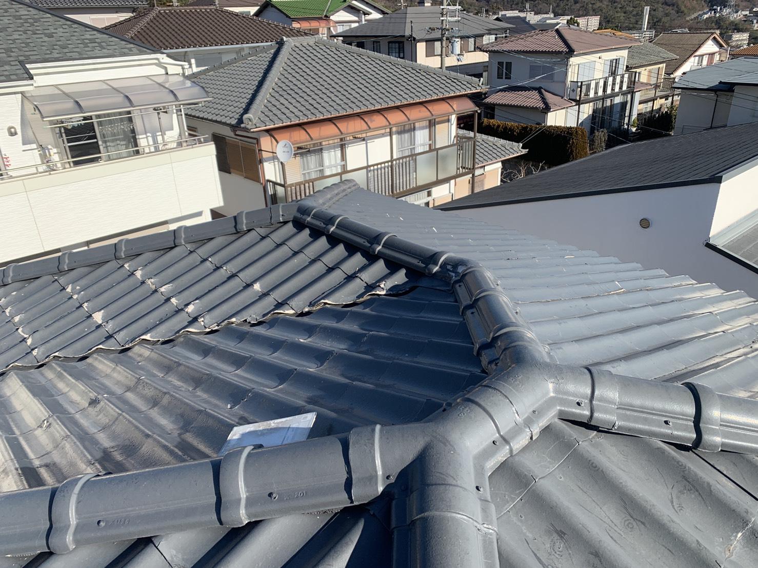 神戸市北区で屋根葺き替え工事を行う積水瓦Uの様子