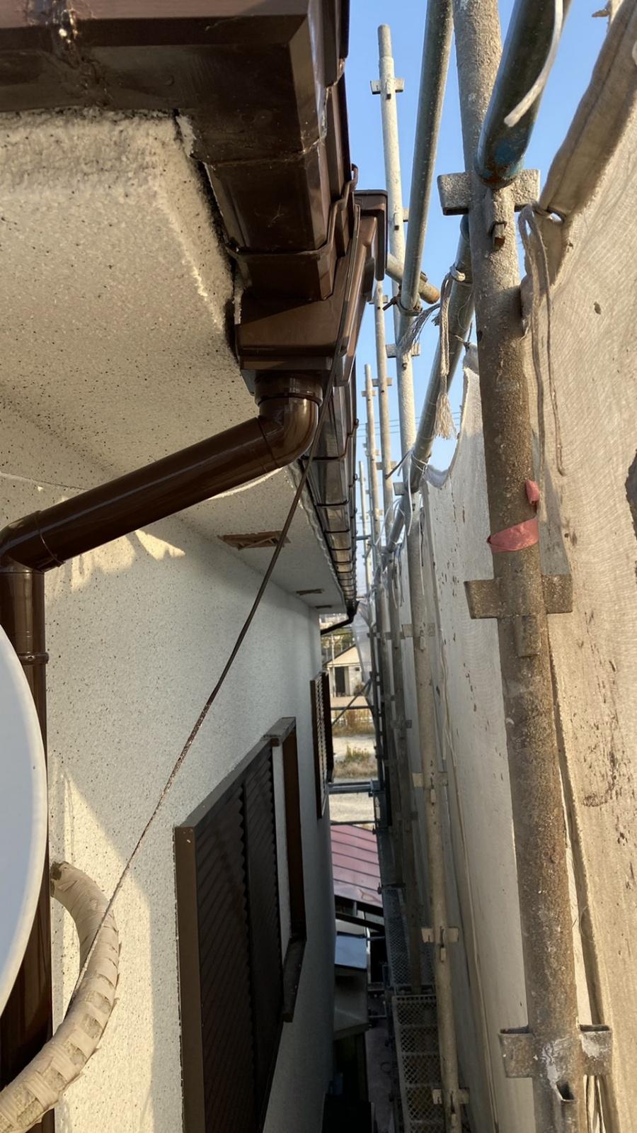 淡路市での雨樋修理前の様子