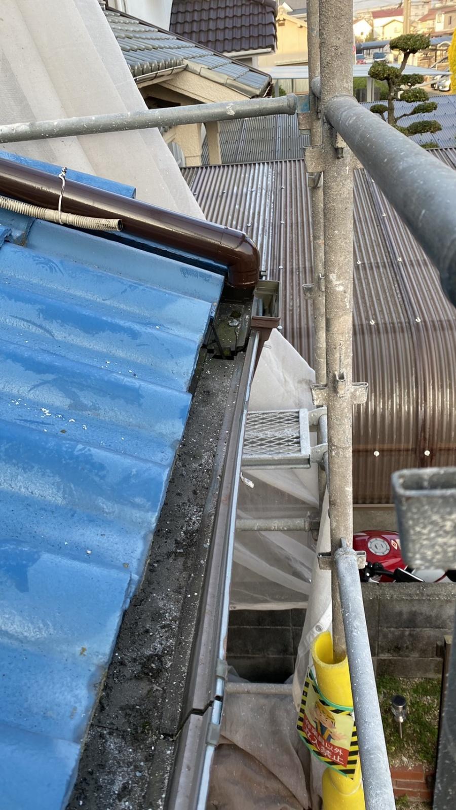 淡路市で雨樋修理を行いました!部分的な雨樋修理でスピード解決