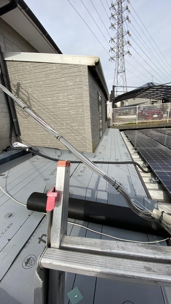 神戸市垂水区での屋根修理で防水シートを貼った様子