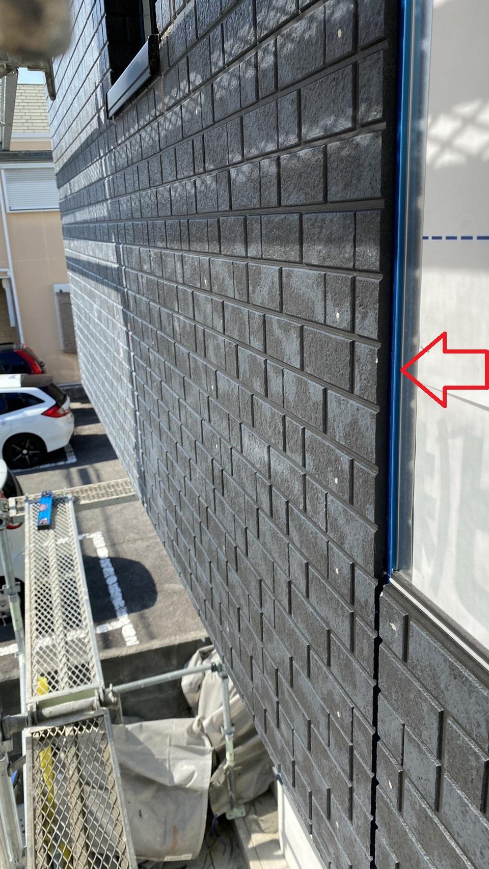 神戸市垂水区でのベランダサイディング貼り替えでサイディングのジョイントに使用するジョイナー