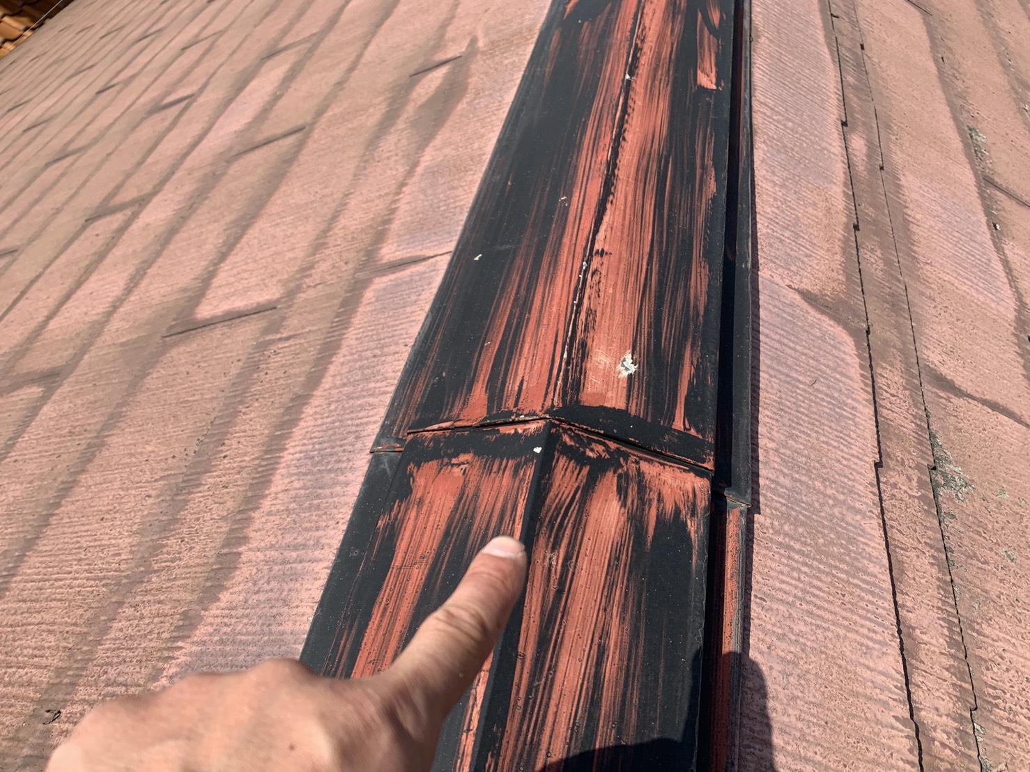 加古川市での屋根診断で棟板金の様子