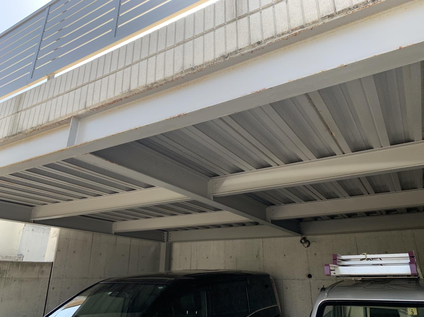 神戸市垂水区でガレージ内部に雨漏りしている現場