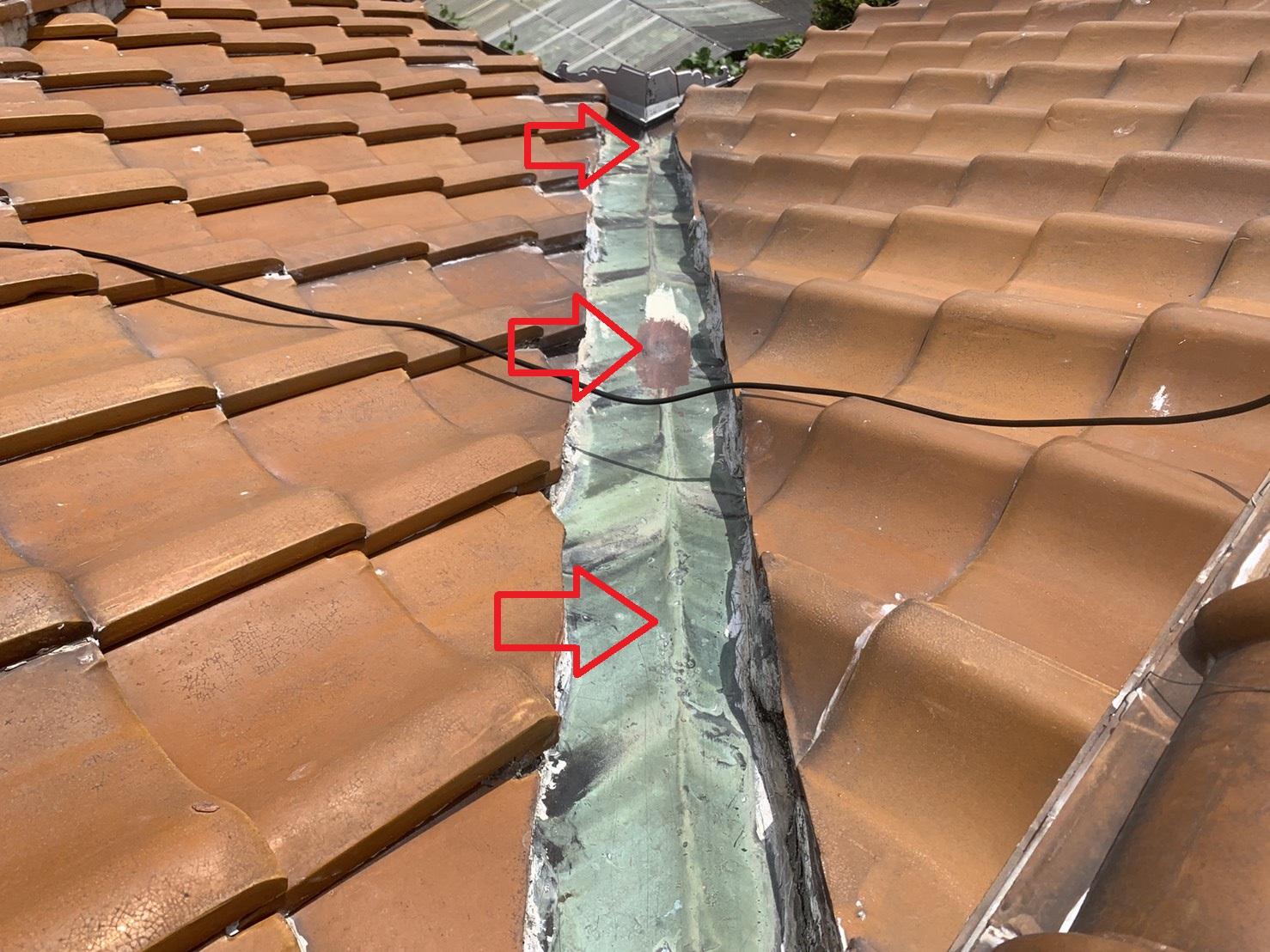 神戸市西区の瓦屋根調査で銅板の谷板を考察
