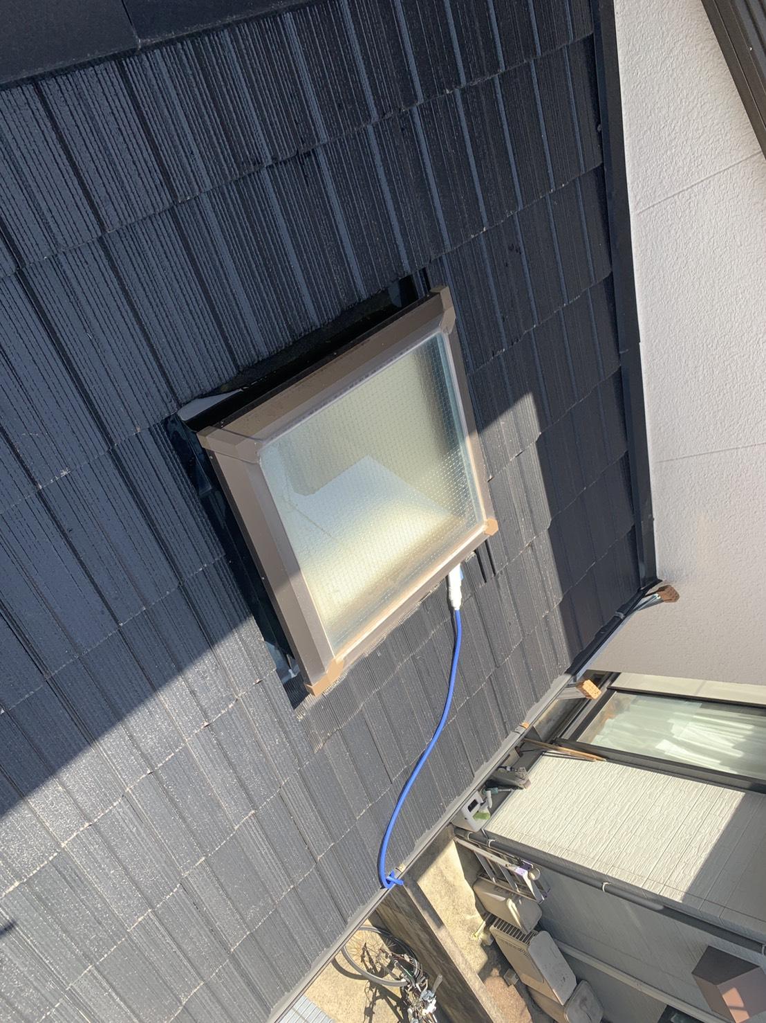 明石市で雨漏りの原因となった天窓付きの下屋根
