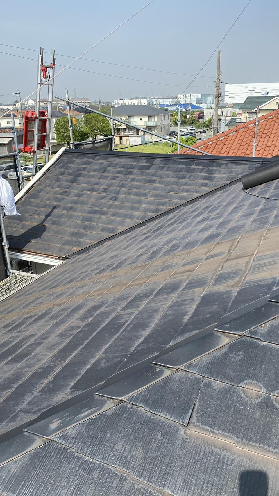 神戸市でカラーベストの上からカバー工法を行った既存の屋根