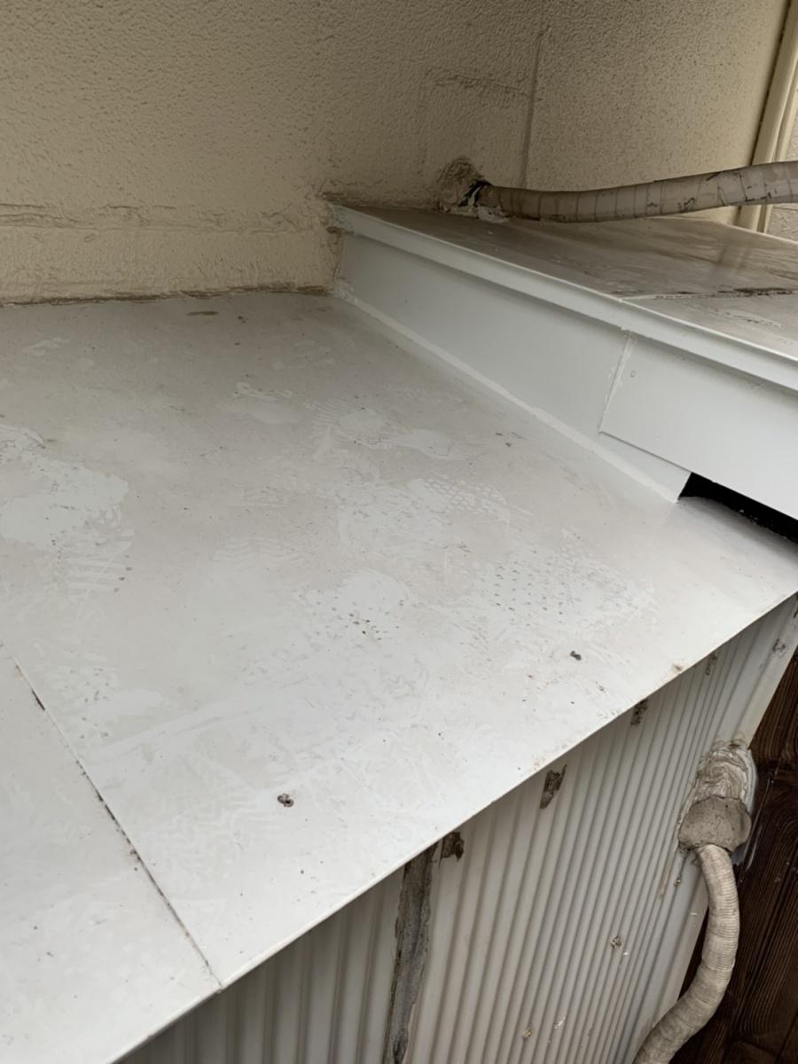 既存のトタン屋根の様子