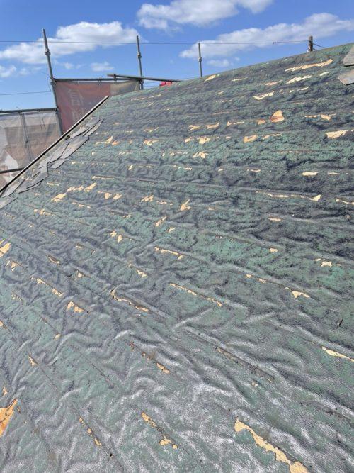 既存の屋根を撤去した様子