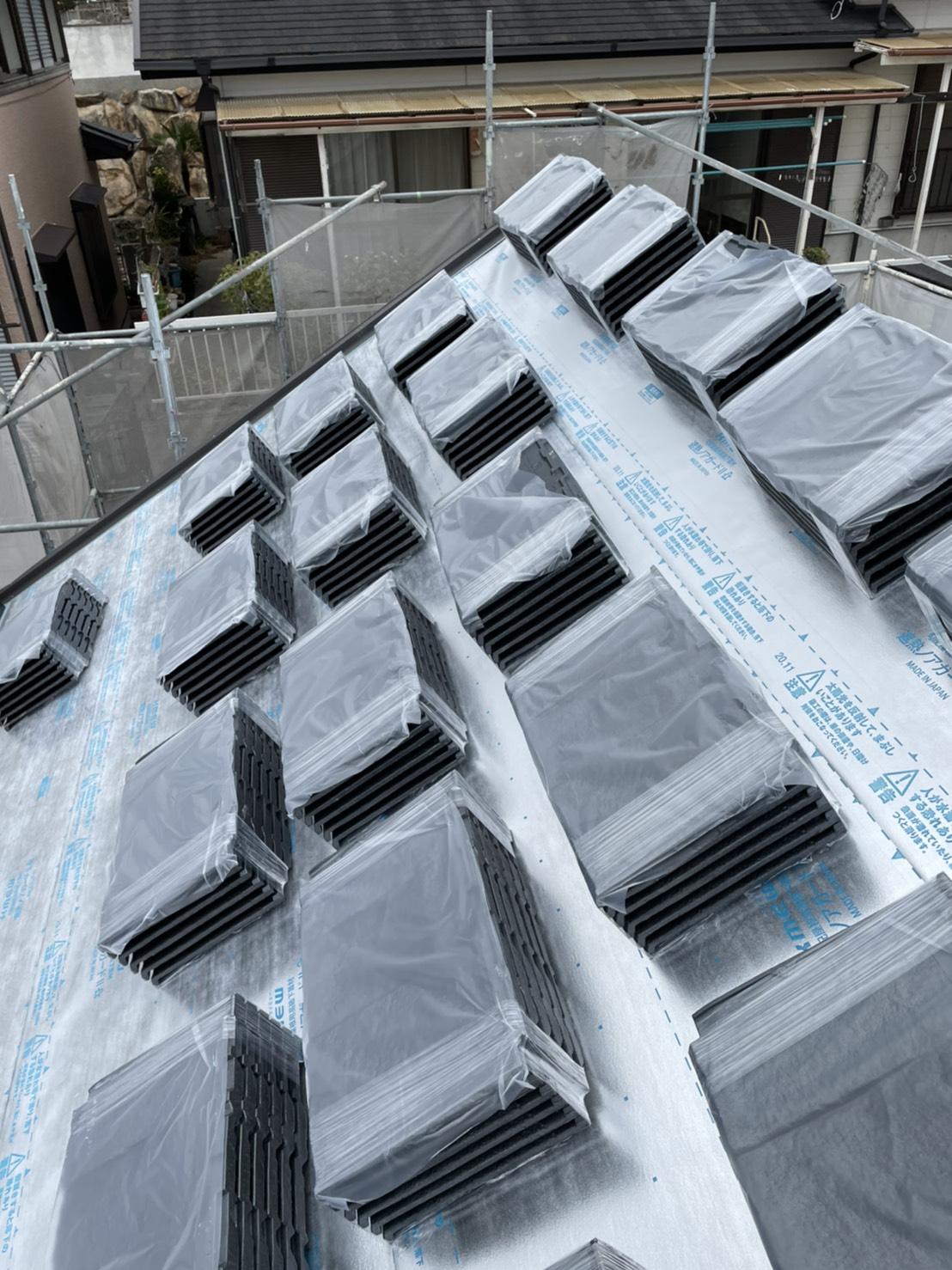 神戸市垂水区での屋根断熱リフォームで使用したルーガの様子