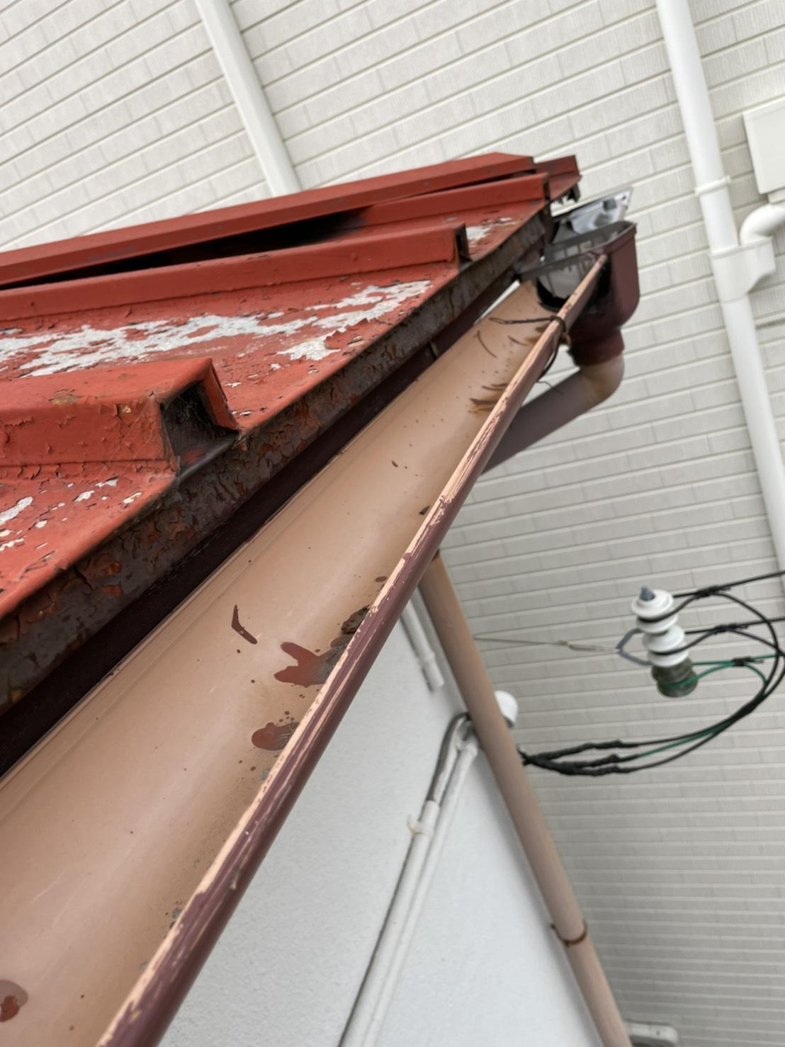 神戸市須磨区での雨樋修理を行った既存の雨樋の様子