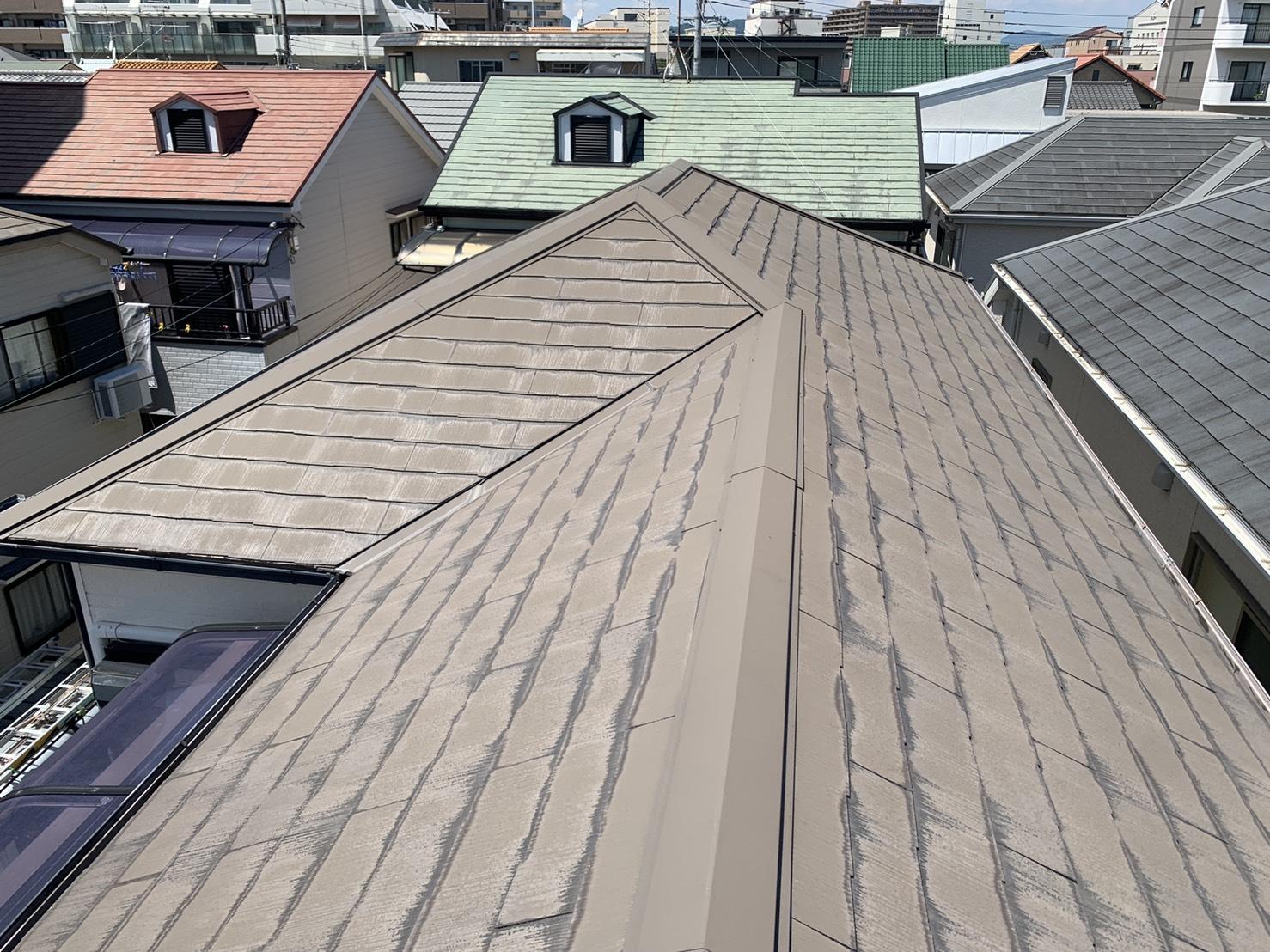 神戸市北区で10年前に塗装したスレート屋根の様子