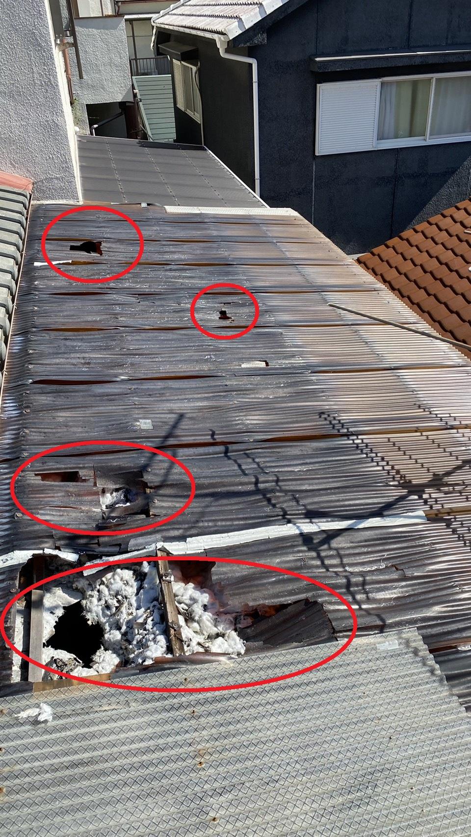 加古川市で波板交換工事を行う前の様子