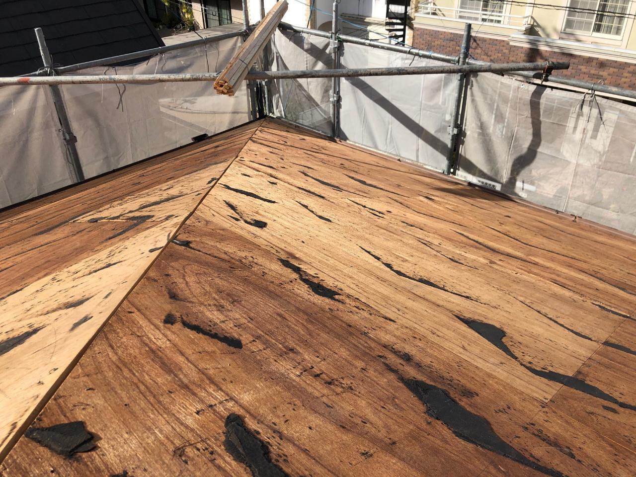 加古川市でアスベスト入りのスレート屋根を撤去し終えた様子