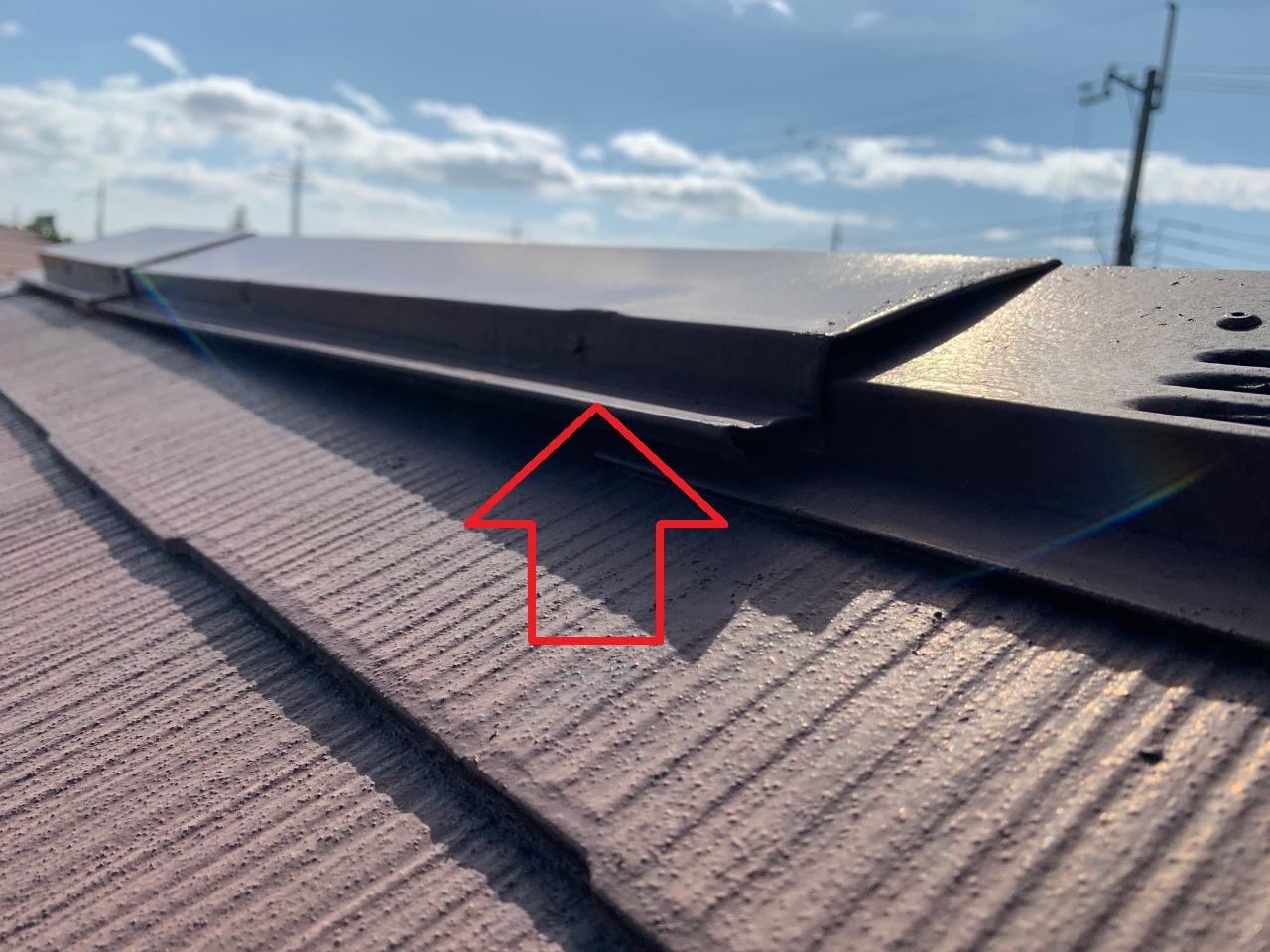 屋根補修が必要となっている棟板金